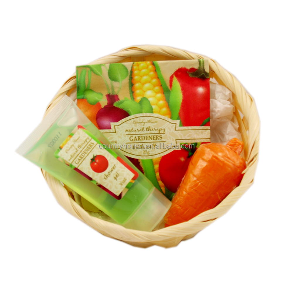 Country House Gardener Small Natural Basket Bath premium gift set