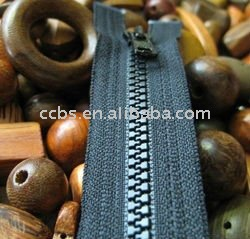 New No.5 Resin /plastic Zipper by manufacture for garment production
