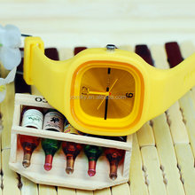 Alibaba China watch manufacturer fashion silicone watch odm play