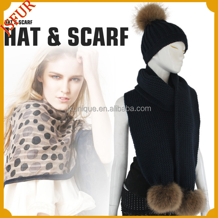 2016 wholesale genuine fur pom poms winter knit scarf