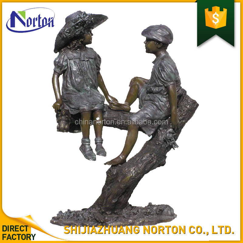 Outdoor life size boy and girl bronze statue NTBS-015Y