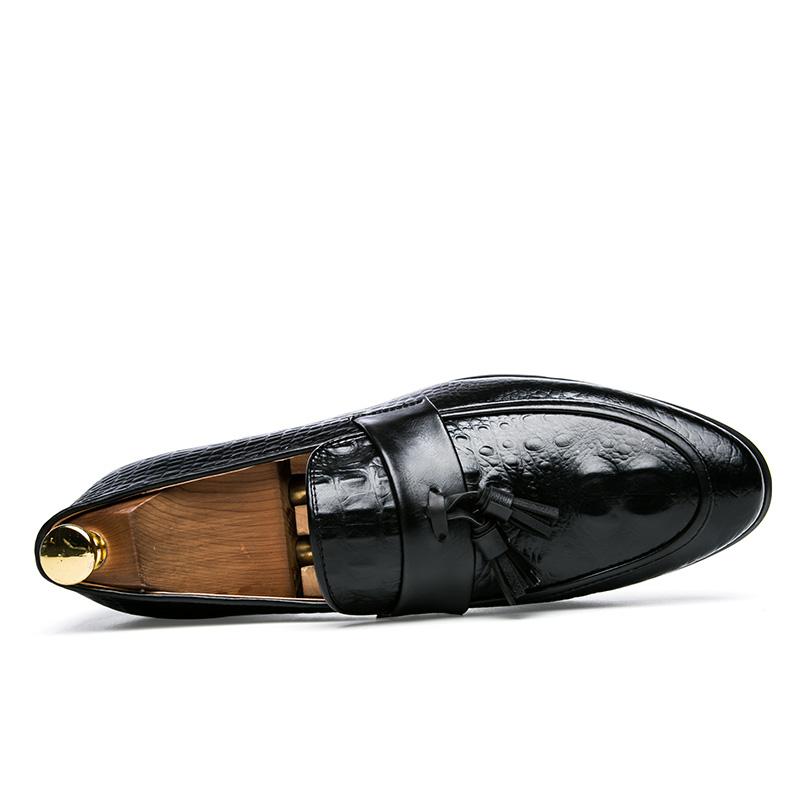 men winter italian fashion snake skin brogue leather oxford tassel slip on pointed toe shoes designer male formal cool footwear  (4)