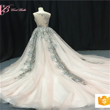 2017 Lace Appliques Bridal Luxury White Puffy Wedding Dress With Diamonds Ball Gown Chapel Train