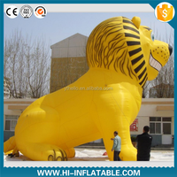 Inflatable animal model, giant inflatable PVC yellow lion for movie cartoon display