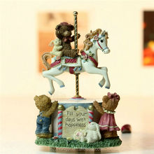 Customed resin wedding favor lovely teddy bear carousel horse music box