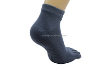 Cotton Cheap Five Toe Anti-slip Yoga Socks For Mens