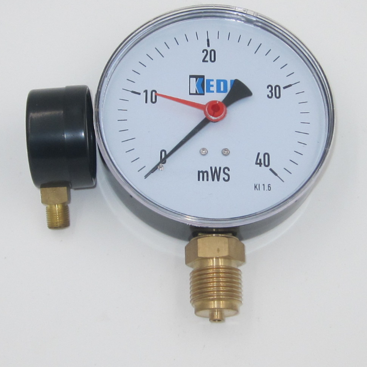 high precision iron bourdon tube pressure gauge with NPT thread