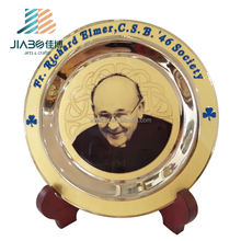 promotion gift souvenir brass personal head logo etching metal plate with wooden stand