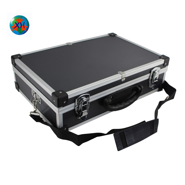 New Desigh Portable aluminum tool carrying case with straps