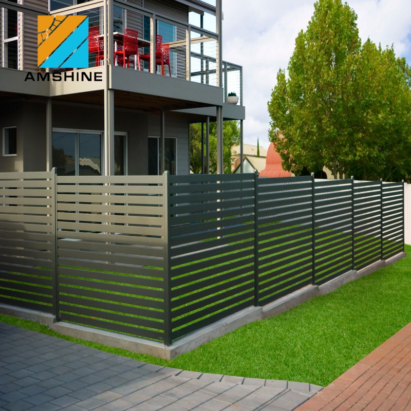 China Black Aluminum Fencing Solid/ Aluminum Slat Fence
