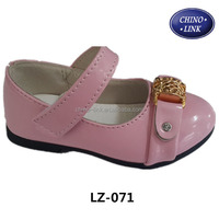 Pink color pu leather upper kid flower china girl shoes