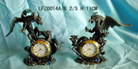 Brand new design wholesale price pewter figure metal table clock