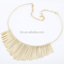 Metal chips tassel wire necklace