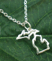 Michigan Upper & Lower Peninsula State - Michigan Outline Map Necklace United States - Celebrity Inspired Jewellery