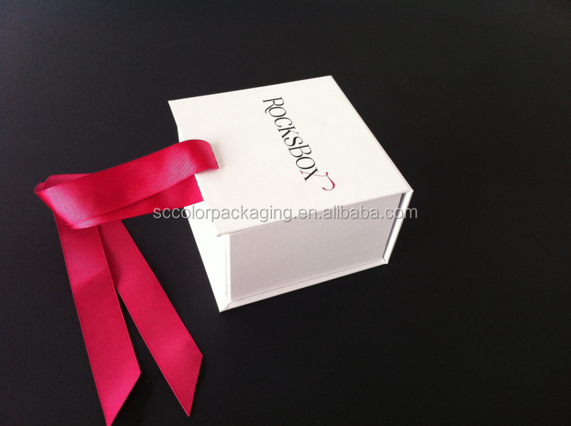 Guangzhou High Quality Custom Matte Black With White Silver Hot Stamping Logo Gift Rectangle Folding Paper Box