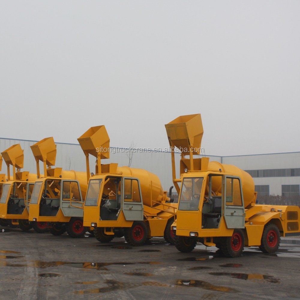 2.5 cbm self propelled feed mixer truck