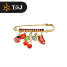 2015 new fashion women Pin type ladybug Cherry stones lips brooch