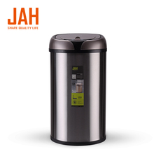 Bulk commercial different size trash can waste receptacles
