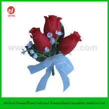 Fashion Silk Flower Corsage of Red Roses