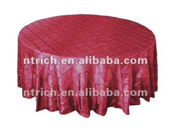Round pintuck table cloth for wedding