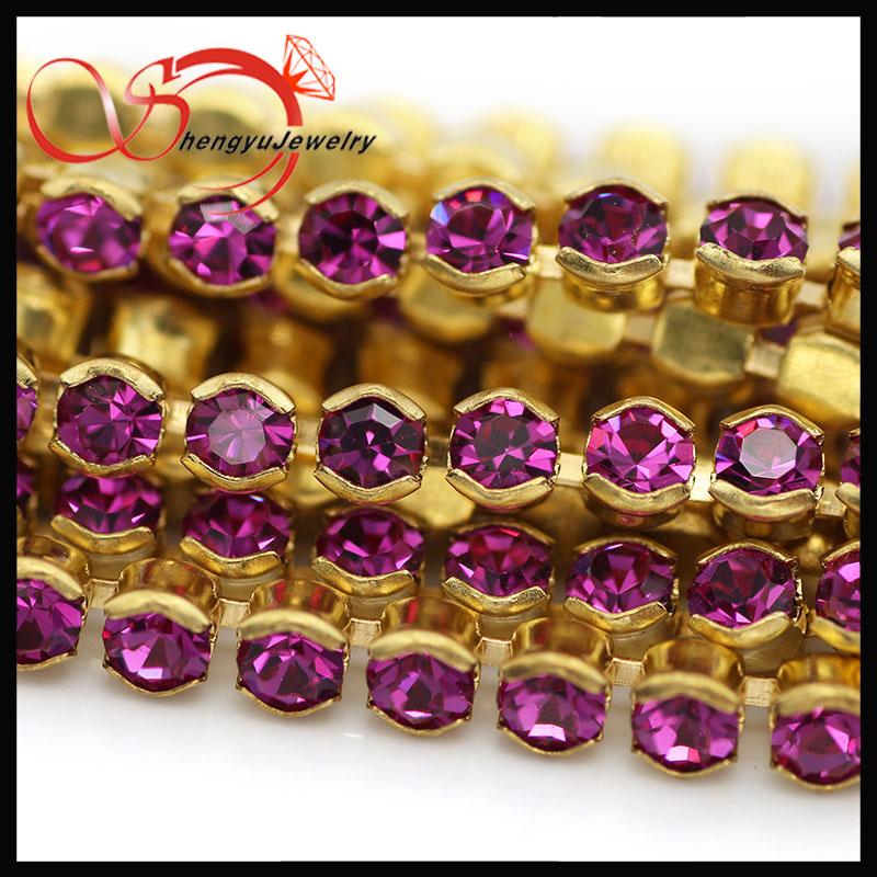 Colored brass cup chain with ruby red crystal for jewelry