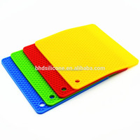 Honeycomb Silicone Insulation Mat/Extra Thick Silicone Trivet Mat, Hot Pads Slip Silicone Insulation Mat For Home Use