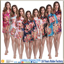Factory wholesales Stock Knee Length satin bathrobes for wedding party