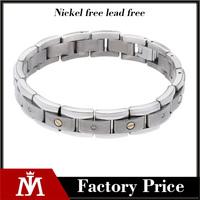 Titanium and 14k Yellow Gold 1/4ct TDW Diamond Bracelet