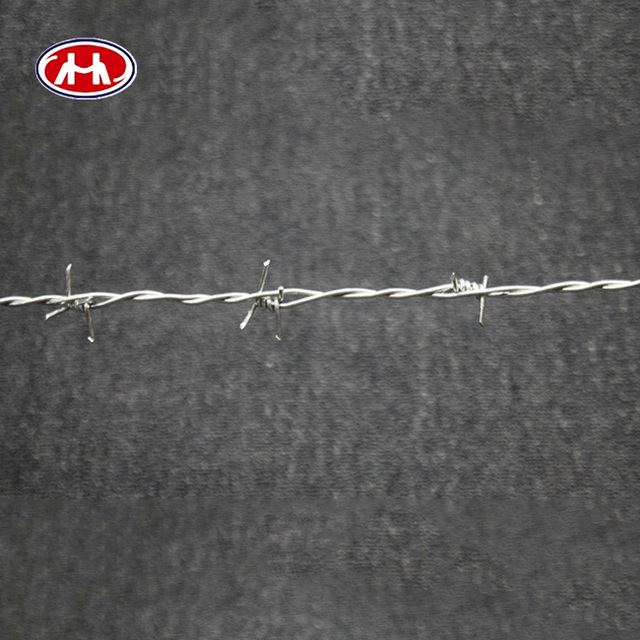 2017 hot ! Low price Galvanized razor barbed blade wire prison fence,concertina coil fencing specifications(factory)