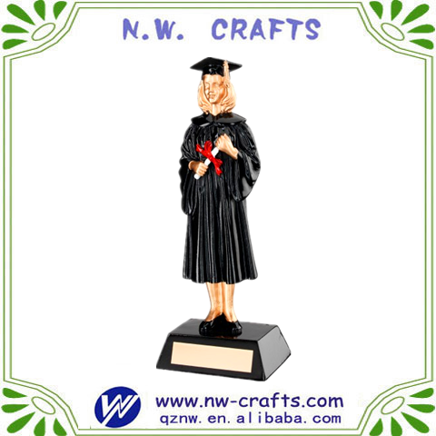Cheap student graduation item resin female figurine gift for souvenir