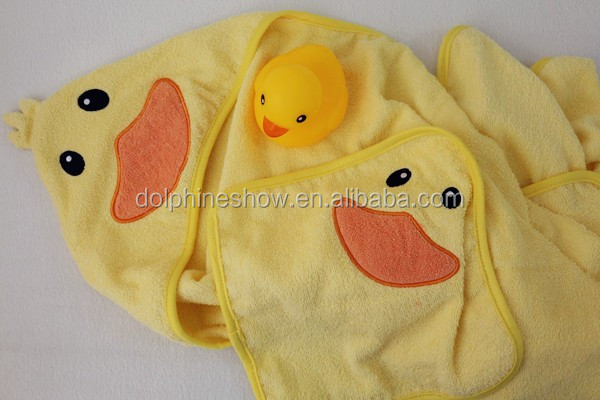 Customized cheap kids bath towel fashion cute yellow duck cotton hooded baby bath towel set