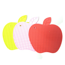 Apple shape glass cup pad promotion silicone kitchen heat resistant mat for microwave oven