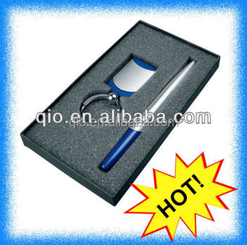 2016 factory outlet top quality low price customized logo pen keychain gift set