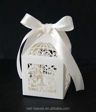 Laser cut wedding souvenir candy box favor paper packaging box with ribbon