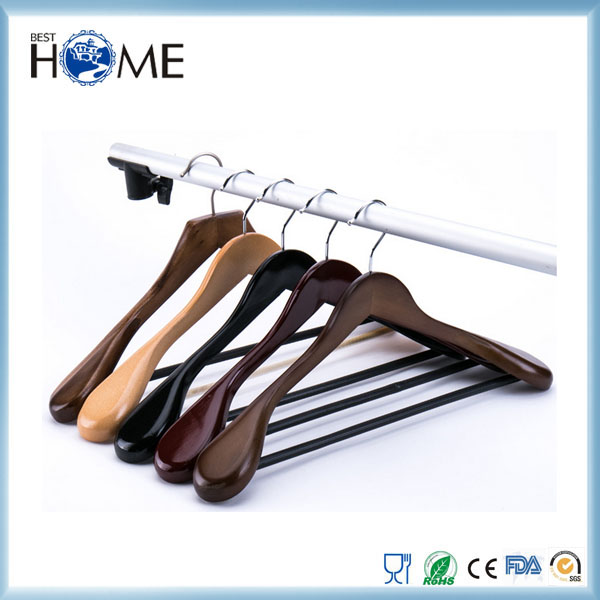 Luxury Wide Shoulder Suit Wood Clothes Hanger With Wood Bar