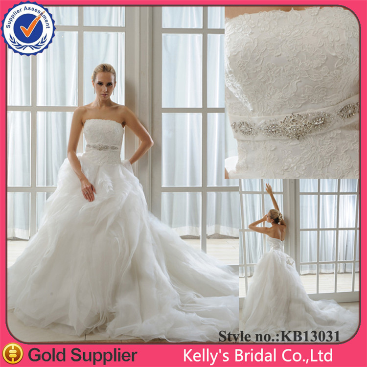 Classic Style Lace Appliqued Dress Elegant Ruched Tulle Beautiful Beach Wedding Dresses