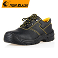 Oil resistant anti slip rubber sole mining shoes safety