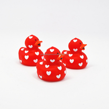 Promotional Custom Floating PVC Plastic Mini Valentine Love Rubber Bath Duck Squirt Toy