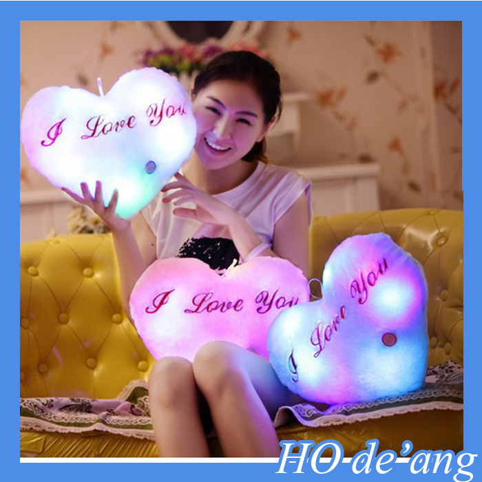 Hogift Wholesale Luminous pillow/China factory LED heart pillow/colorful shining led light pillow