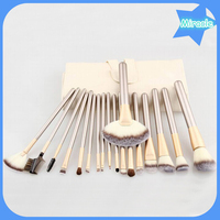 professional cosmetic kit wooden handle face powder brush for makeup