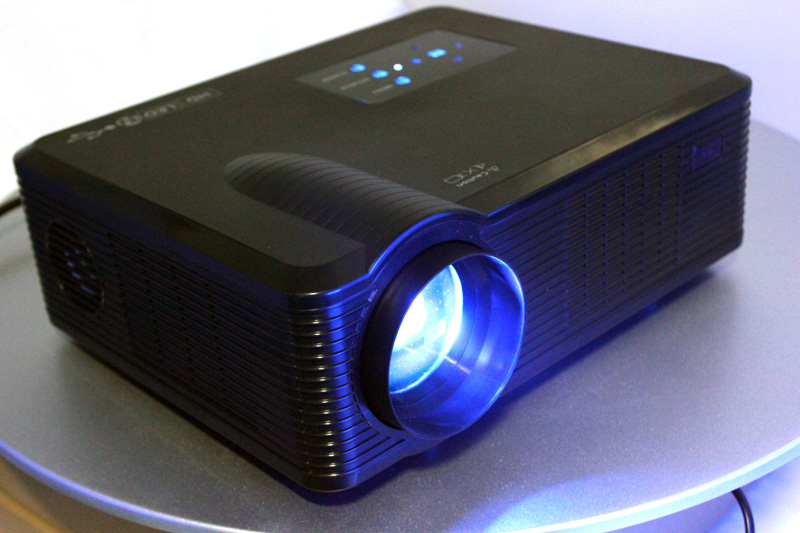 cheapest 2400 lumens projector for Christmas