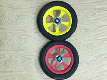 Crude rubber wheels on the baby strollers which designed with the international frames.high-quality plastic moulds, cheap prices