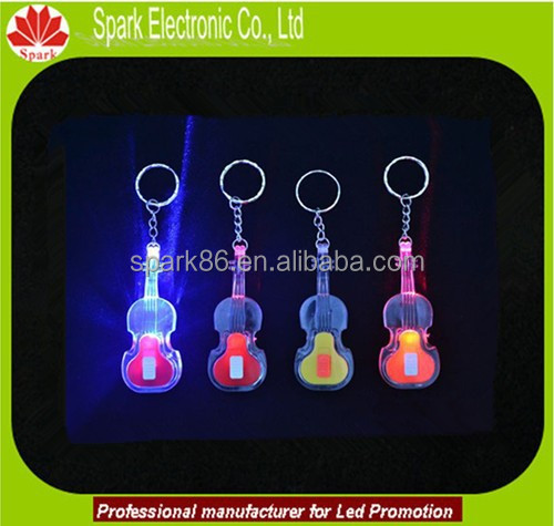 2015 Hot Sale stylish electric plastic key chains guitar led keycahin factory
