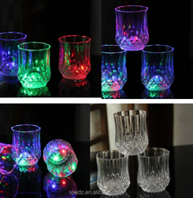 6-8oz pineapple shape Hot sale LED flashing glass cup, light up glowing LED cup, bar accessories ice wineglasses