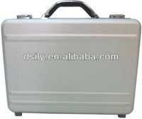 Moulded aluminum laptop/notebook computer attache case briefcase