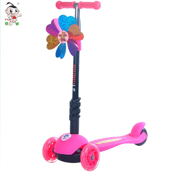 Children manual ride on car light up children scooter with 3 wheel