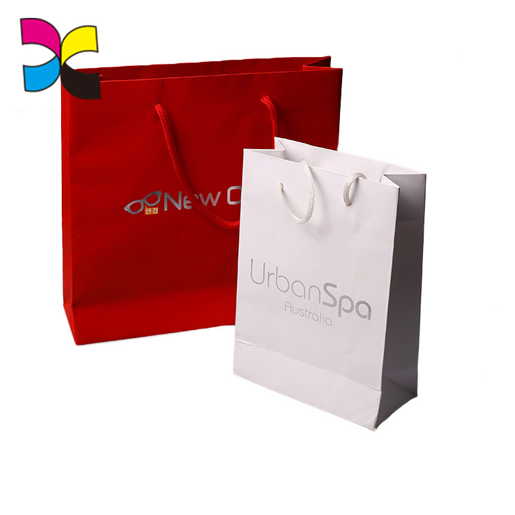 Guangzhou Manufacturer Custom extra large disposable shopping paper bag wholesale