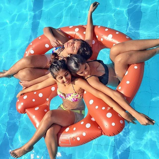 Factory price large inflatable water pool toys pool float flamingo on stock
