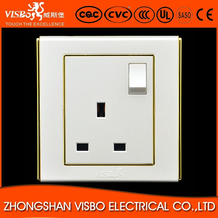 High Quality British Standrad Electrical Switched Socket