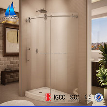 Curved glass shower screen